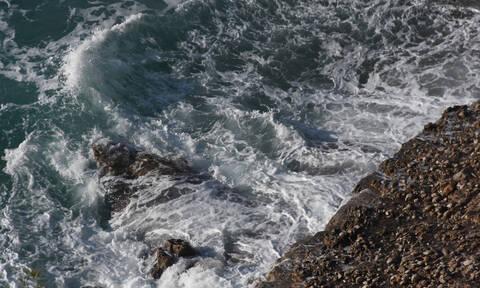 Ναύπλιο: «Πάγωσαν» όταν κοίταξαν τη θάλασσα - Δείτε γιατί (pics)
