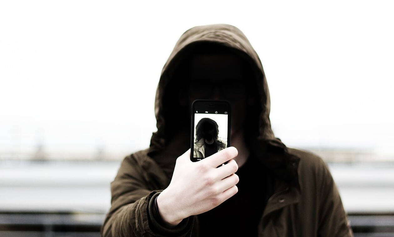 To τηλεφώνημα του τρόμου: «Μαμά, τράκαρα και σκότωσα ένα κοριτσάκι»