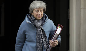 Brexit: May to meet Corbyn to tackle deadlock
