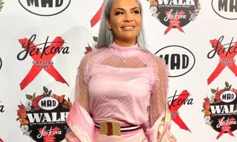 Έλαμψε στο κόκκινο χαλί του Madwalk 2019 η Naya
