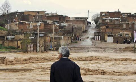 Καταστροφικές πλημμύρες στο Ιράν: Tους 62 έφτασαν οι νεκροί