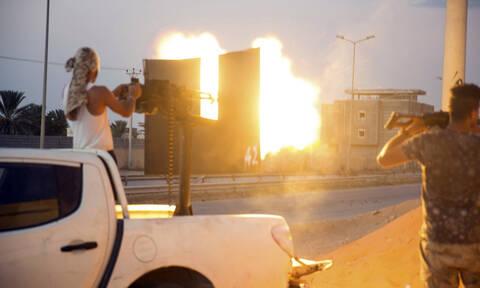 Λιβύη: Σφοδρές μάχες έξω από την Τρίπολη