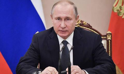 Путин сообщил о подготовке госпрограммы по увековечению памяти павших защитников Отечества