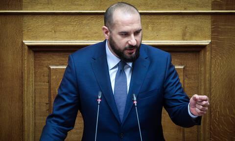 Υπόθεση Πετσίτη - Τζανακόπουλος στη Βουλή: «Πρόκειται περί αντιπερισπασμού»