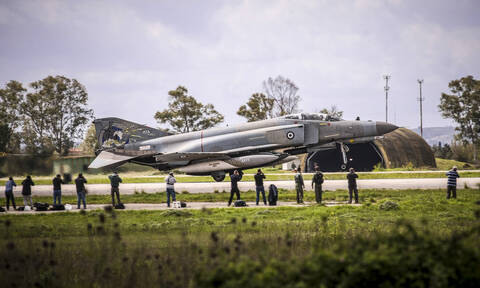 """Fighter jets in exercise """"Iniochos 2019"""" to fly over Athens"""