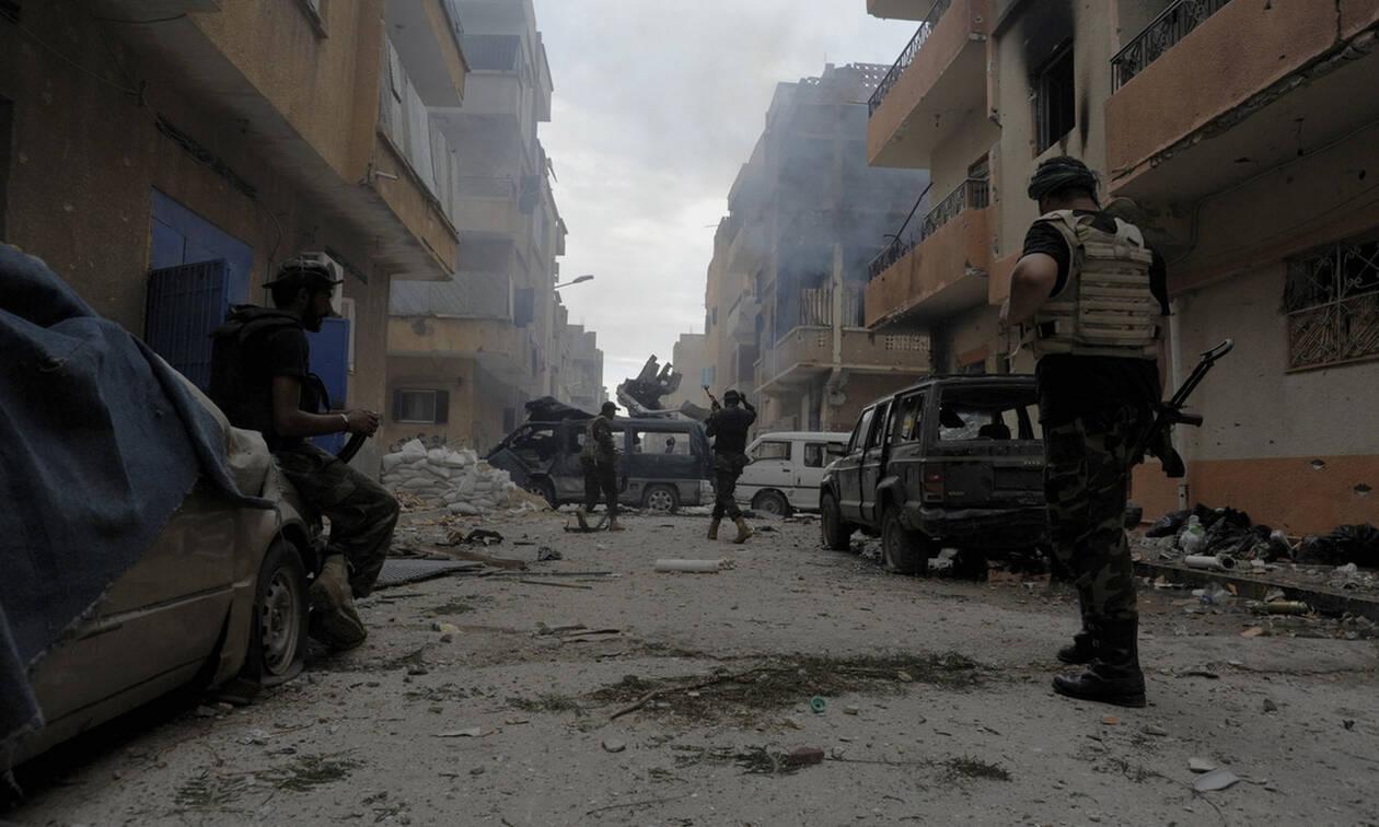 Λιβύη: 27 χιλιόμετρα από την Τρίπολη απέχουν οι δυνάμεις του στρατάρχη Χάφταρ