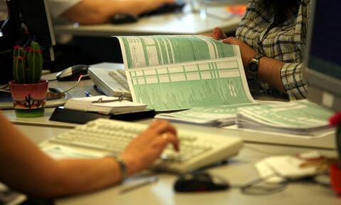 Φορολογικές δηλώσεις: Ποιοι θα πάρουν έκπτωση 2.100 ευρώ - Ποιες οι προϋποθέσεις