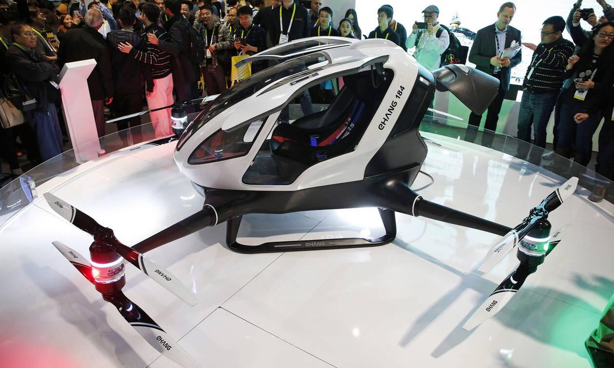 Όλο και πιο κοντά στην παραγωγή το μη επανδρωμένο ιπτάμενο ταξί (vids)