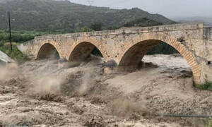 Καιρός: «Πνίγηκαν» Αττική και Κρήτη – Διακοπές ρεύματος, πλημμύρες και εγκλωβισμένοι