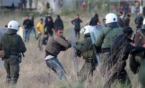 Πεδίο μάχης ξανά τα Διαβατά: Επεισόδια και δακρυγόνα κατά των προσφύγων