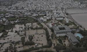 Κακοκαιρία: Η Κρήτη μετρά τις πληγές της – «Πνίγηκε» η Σητεία, εικόνες βιβλικής καταστροφής (vid)