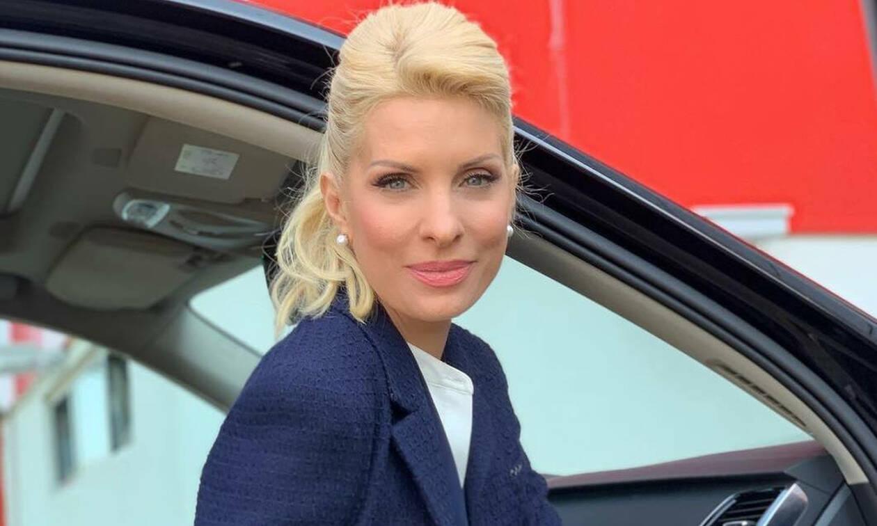 da833535eb1 Ελένη Μενεγάκη: Η νεα φωτογραφία που έβγαλε έξω από το σπίτι της ...