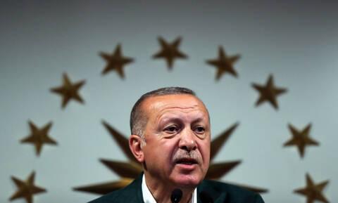 Το «φυσάει και δεν κρυώνει» ο Ερντογάν: Θα ζητήσει νέα καταμέτρηση ψήφων στην Κωνσταντινούπολη