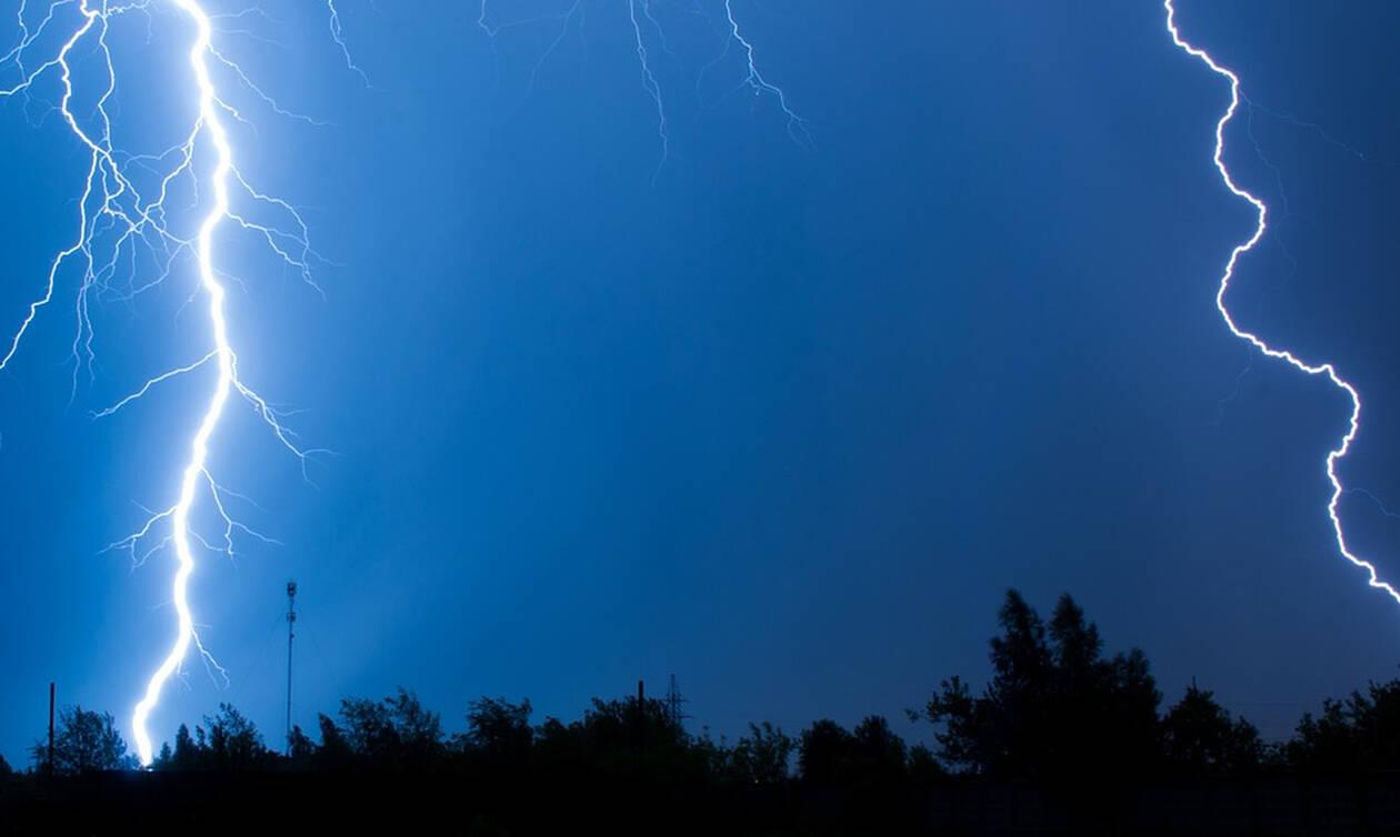 Καιρός: Νέο κύμα κακοκαιρίας με βροχές, καταιγίδες και σκόνη - Πού θα «χτυπήσει» τις επόμενες ώρες