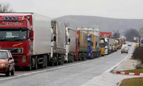 Ποια είναι η μέση ηλικία των φορτηγών στην Ελλάδας και τι συνέπειες έχει;