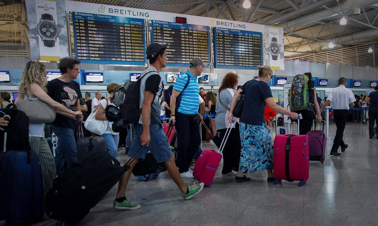 Η μεγάλη αλλαγή στα αεροδρόμια: Μην πάτε μόνο με ταυτότητα - Δείτε τι αλλάζει