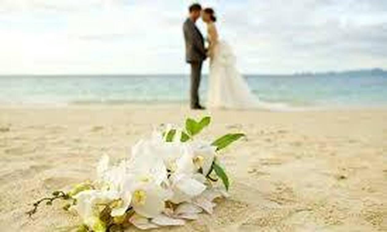 4c552a1e7739 Ζευγάρι της ελληνικής showbiz παντρεύεται - Ιδού η αναγγελία του γάμου του