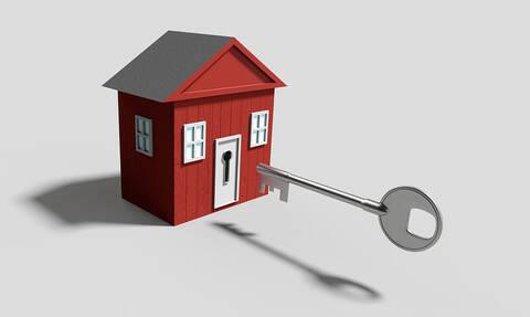 Χριστίνα Γλυκού στο Newsbomb.gr: Tα «ψιλά» γράμματα του νόμου για την προστασία της πρώτης κατοικίας