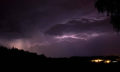 Καιρός: Βροχές και καταιγίδες την Τρίτη - Πού θα «χτυπήσουν» τα έντονα φαινόμενα