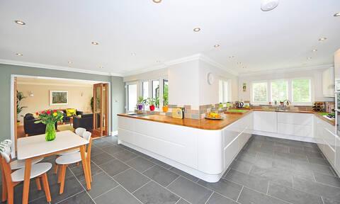 Θέλεις το σπίτι σου να δείχνει αμέσως καθαρό και τακτοποιημένο; Αυτά είναι τα μικρά μυστικά