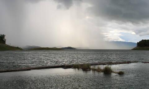 Καιρός: Με μικρή άνοδο της θερμοκρασίας και βροχές η Τετάρτη - Πού θα είναι έντονα τα φαινόμενα