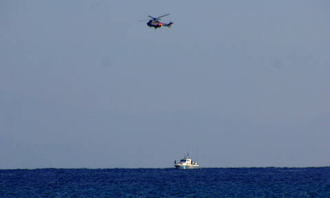 Θρίλερ στο Αιγαίο: Επιβάτης έπεσε από το πλοίο μεταξύ Τήνου και Άνδρου - Αγωνιώδεις έρευνες