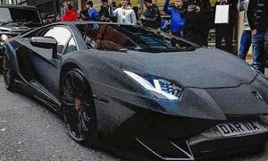 Το παράκανε: Ρωσίδα σταρ έβαλε στη Lamborghini της δύο εκατομμύρια Swarovski