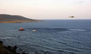 Αγωνιώδεις έρευνες στο Αιγαίο για τον άνδρα που έπεσε από το πλοίο μεταξύ Τήνου και Άνδρου