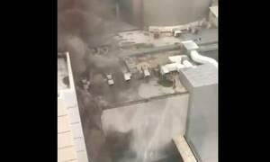 Πύρινη «κόλαση» σε ουρανοξύστη στην Μπανγκόκ: Πηδούν στο κενό για να σωθούν - Δύο νεκροί (vids)