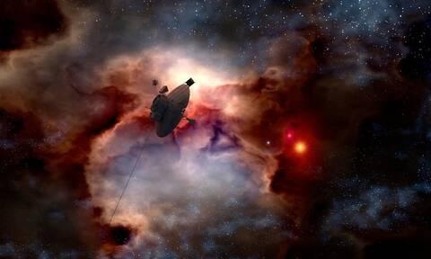NASA: Αυτός είναι ο Έλληνας αστροφυσικός που «φωτογράφισε» την μαύρη τρύπα (pics)