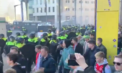 Champions League: Χαμός στο Άμστερνταμ με οπαδούς του Άγιαξ και της Γιουβέντους (videos)