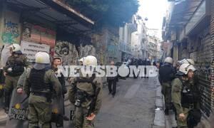 Εξάρχεια: Εικόνες και μαρτυρίες στο Newsbomb.gr από τη μεγάλη αστυνομική επιχείρηση