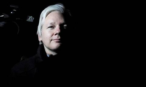 Τζούλιαν Ασάνζ: Ποιος είναι ο Mr. WikiLeaks