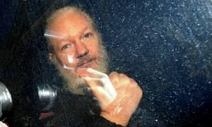 WikiLeaks: Με πόσα χρόνια φυλάκισης κινδυνεύει ο Τζούλιαν Ασάνζ αν εκδοθεί στις ΗΠΑ