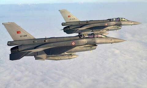 Νέες τουρκικές παραβιάσεις και εικονικές αερομαχίες πάνω από το Αιγαίο