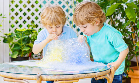 Πειράματα με νερό (vid)