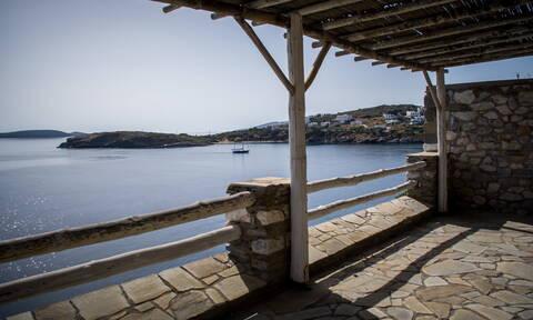 Υπ. Οικονομίας: 500 εκατ. ευρώ για την ενίσχυση 3.889 νέων μικρομεσαίων τουριστικών επιχειρήσεων