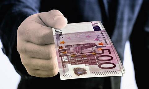 Αναδρομικά: Ποιοι δικαιούνται μέχρι και 25.000 ευρώ - Πότε θα λάβουν τα χρήματα