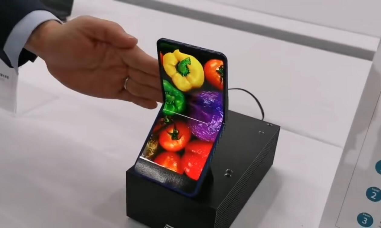Η Sharp παρουσιάζει τη δική της πρόταση για κινητό με αναδιπλούμενη οθόνη (vid)
