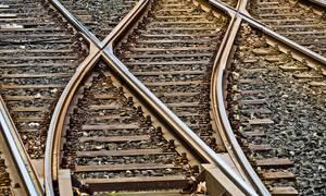 Τραγωδία στην Κίνα: Τρένο εκτροχιάστηκε και καταπλάκωσε σπίτι - Έξι νεκροί (vid)