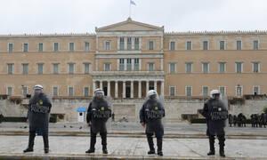 Τηλεφώνημα για βόμβα στη Βουλή: Δείτε LIVE εικόνα από το Κοινοβούλιο