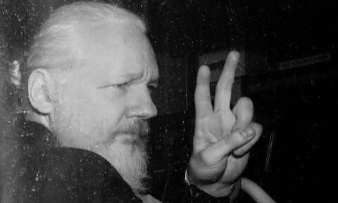 Ποια είναι η θέση μας απέναντι στον ιδρυτή των WikiLeakes, Julian Assange;