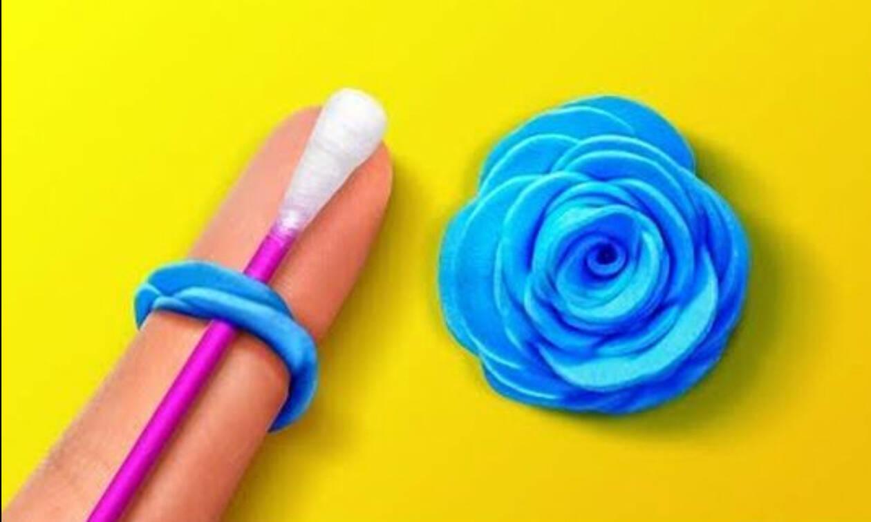 b4389f9b859 Φτιάξε μαζί με τα παιδιά διακοσμητικά λουλούδια από χαρτί και ύφασμα ...