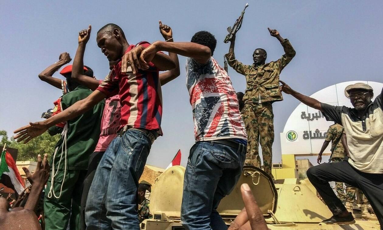 Σουδάν: Τουλάχιστον 16 νεκροί από αδέσποτες σφαίρες