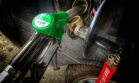 Το τεράστιο λάθος που κάνουν οι Έλληνες όταν βάζουν βενζίνη και καταστρέφουν τα αυτοκίνητά τους