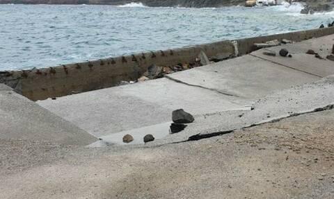 Εικόνες καταστροφής στη Σαντορίνη: Τεράστια κύματα ισοπέδωσαν το λιμάνι