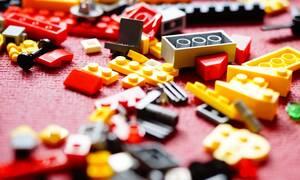 Κάτι παραπάνω από ένα απλό χόμπι: Διάσημα έργα παίρνουν μορφή με τουβλάκια Lego!