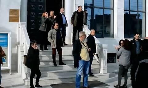 Κατερίνη: Αποδοκίμασαν τους υποψήφιους ευρωβουλευτές του ΣΥΡΙΖΑ Αρβανίτη και Νικολαΐδη (vid)