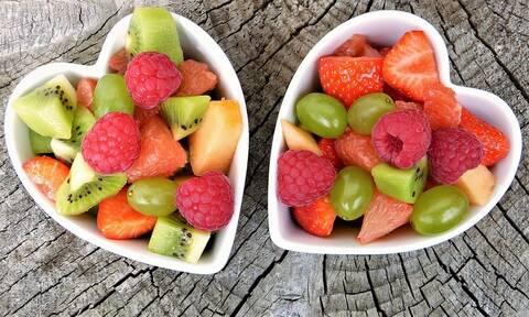 Θέλεις να ζήσεις πολλά χρόνια; Ξεκίνα να τρως αυτά τα φρούτα!