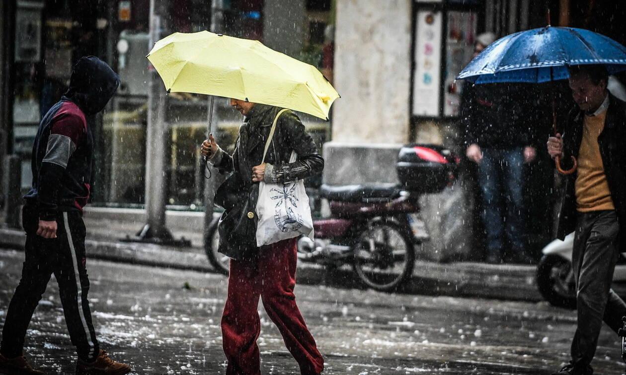 Καιρός τώρα: Με ισχυρές βροχές και καταιγίδες η Δευτέρα - Πού θα ρίξει χαλάζι (pics)
